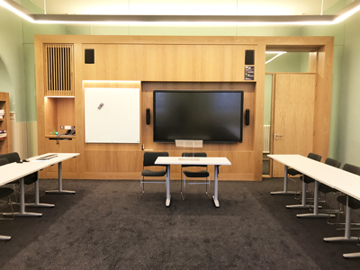 Old College Teaching Room 02