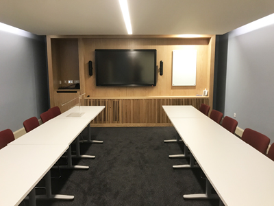 Old College Teaching Room 09